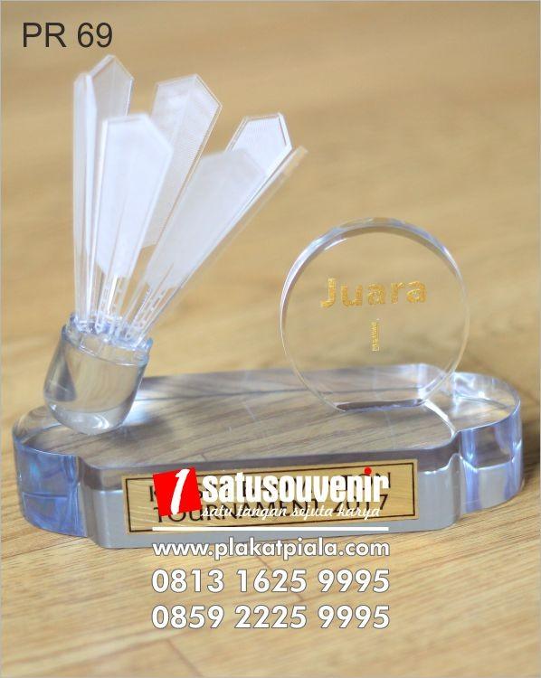 spesifikasi plakat resin Badminton