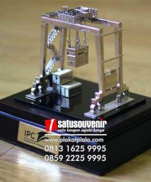 Miniatur Crane IPC