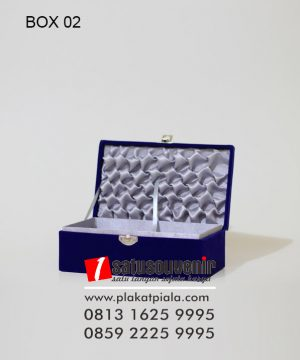 Kotak Kado Hadiah, Souvenir Custom. Gift Box Bludru Smoke
