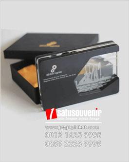 Plakat Kayu akrilik skkmigas oreo, souvenir penghargaan yang cocok untuk perusahaan atau seseorang