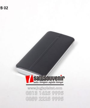 PB 02 Power Bank Kulit Warna Hitam Doff