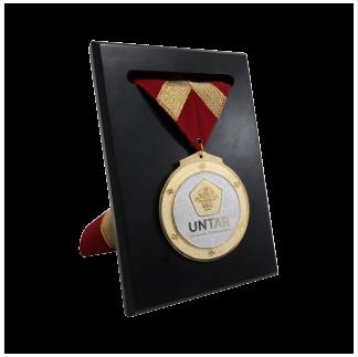 Medali & Emblem