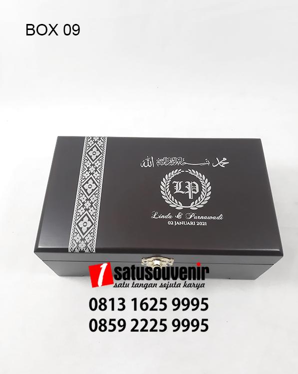 BOX09 Box Kayu grafir