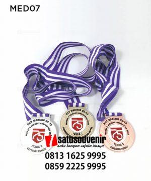 MED07 Medali HUT Marinir 75