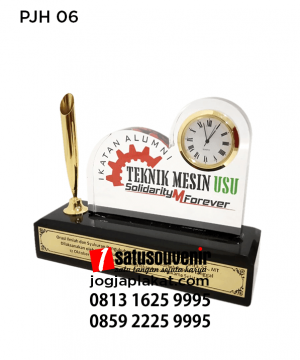 PJH06 Plakat Jam Teknik Mesin USU Pen Holder