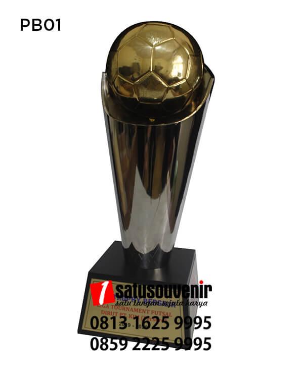 Contoh piala Bergilir Liga Turnament Futsal PT KIM