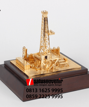 SM87 Souvenir Miniatur Rig Onshore