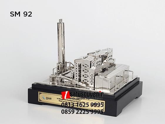 SM92 Souvenir Miniatur PLTU Piton Energi