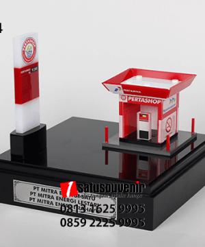 SM94 Souvenir Miniatur SPBU Mini Pertashop PT Mitra Energi