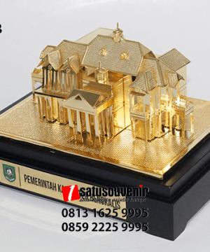 SM98 Souvenir Miniatur Gedung Wisma Bengkalis Pemerintah Kabupaten Bengkalis
