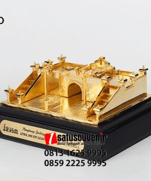 SM110 Souvenir Miniatur Plengkung Gading Yogyakarta