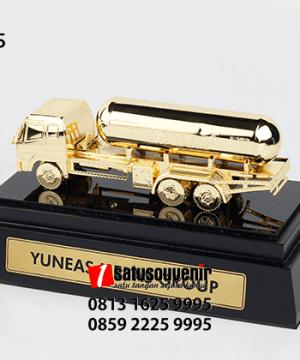 SM115 Souvenir Miniatur Truck Tangki Bright gas Yuneas Mebas Group