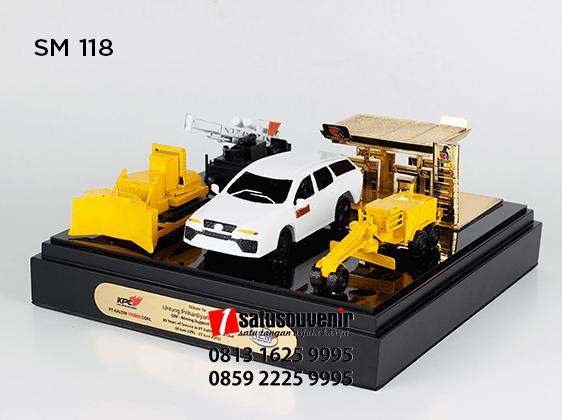 SM118 Souvenir Miniatur KPC