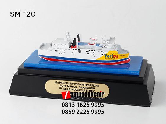 SM120 Souvenir Miniatur Kapal PT ASDP Indonesia Ferry