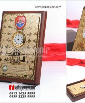 PK 201 Plakat Kayu Kenang kenangan Kabupaten Banggai Laut Sulteng